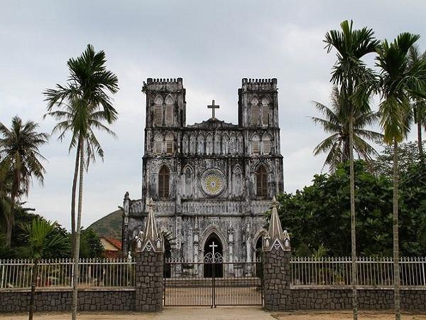 Công trình kiến trúc nổi tiếng ở nhà thờ Mằng Lăng