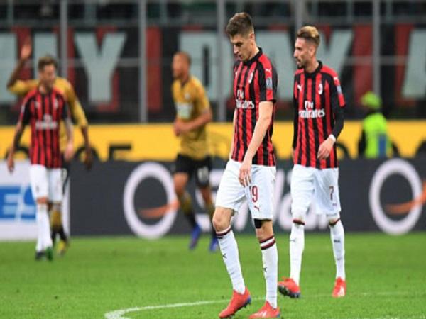 Milan thua lỗ nhưng may không xuống hạng