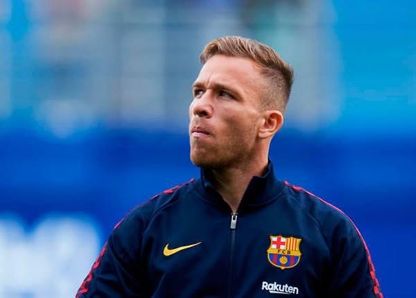 Xung đột giữa Barca và cầu thủ nổi loạn chưa chấm dứt