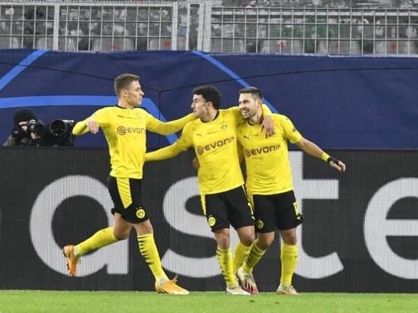 Tin bóng đá 3/12: Dortmund giành vé vào vòng 1/8 Champions League