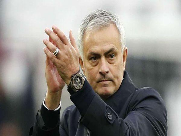 Tin bóng đá chiều 1/2: Mourinho vẫn hài lòng về học trò về trận thua