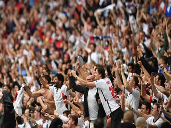 Bóng đá Quốc Tế chiều ngày 2/7: UEFA bị chỉ trích